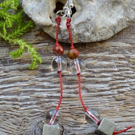 Mäekristall * Punane jaspis * Püriit