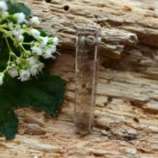 Auguga kivi / Ripats - Suitskvarts