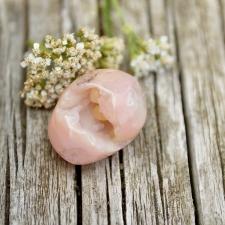 Roosa opaal, eriline (27x21x19mm)