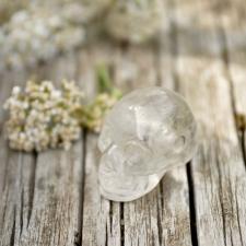 Auguga kivi / Ripats - Mäekristall pealuu