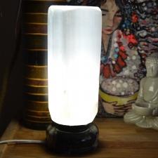 Seleniidist lamp ortotšeraasist alusega