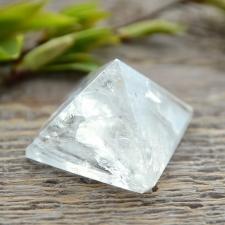 Püramiid - Mäekristall