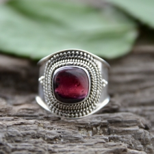 Sõrmus - Granaat (925 hõbe)