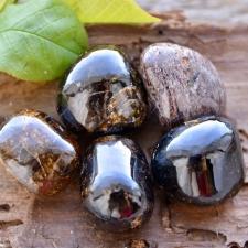 Pruun granaat (andradiit) (21x19x8mm)