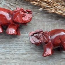 Elevant - punane jaspis