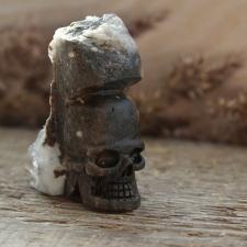 Kristallpealuu / kolp - mäekristalli kobaraga (III)