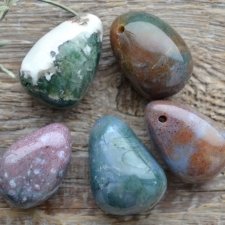 Auguga kivi / ripats - India ahhaat