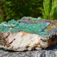 Azuriit, malahhiit, mäekristall toorkivi (140x100x35mm)