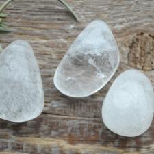 Auguga kivi / ripats - Mäekristall
