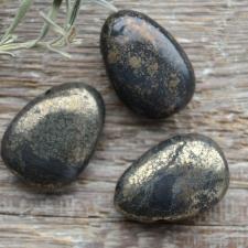 Auguga kivi / ripats - Püriit