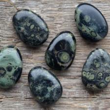 Auguga kivi / ripats - Kambaba jaspis