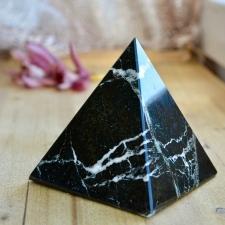 Püramiid - Oonüks (10.5x10x10cm)