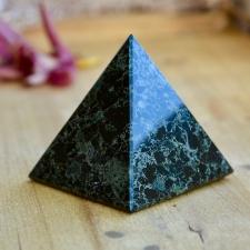 Püramiid - Oonüks (7.5x7x7cm)