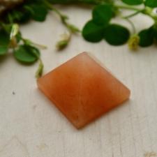 Püramiid - Oranz aventuriin (25x23mm)