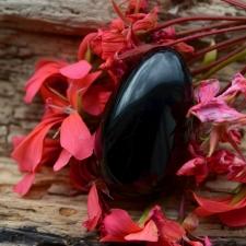 Yoni muna (L) - Obsidiaan