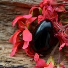 Yoni Muna (S) - obsidiaan
