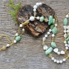 Alabaster * Krüsopraas * Tsitriin * Rutiilkvarts * Pärlikarp